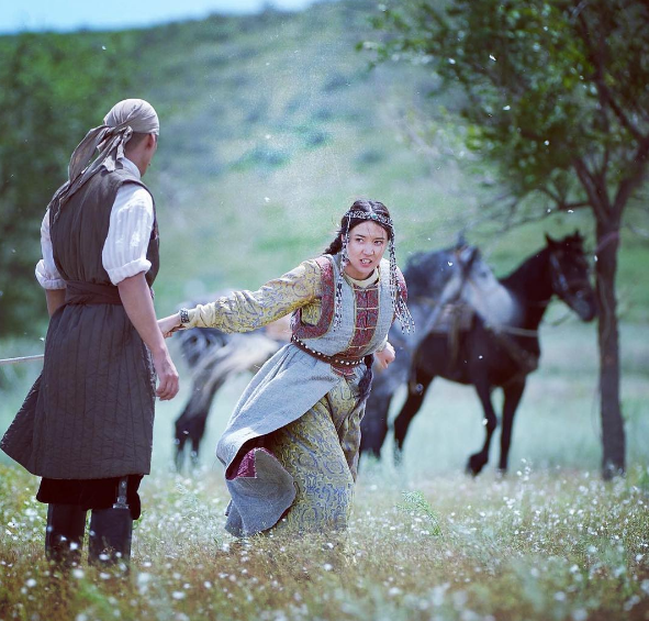 Photo of Гүлназ Жоланова тарихи фильмге түсуде!