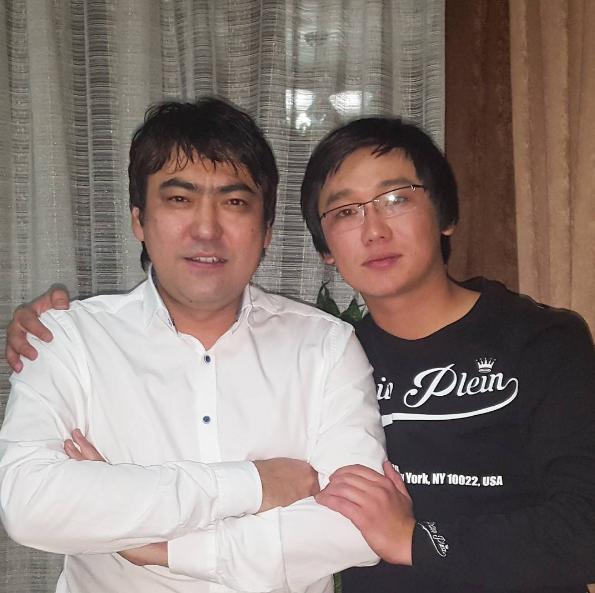 Photo of Мейрамбек Бесбаев пен Қайрат Нұртас дуэт құрды
